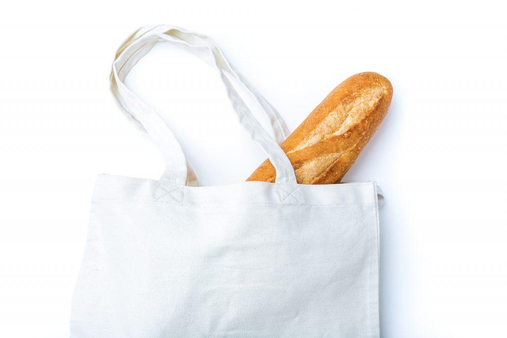 エコバックとパン